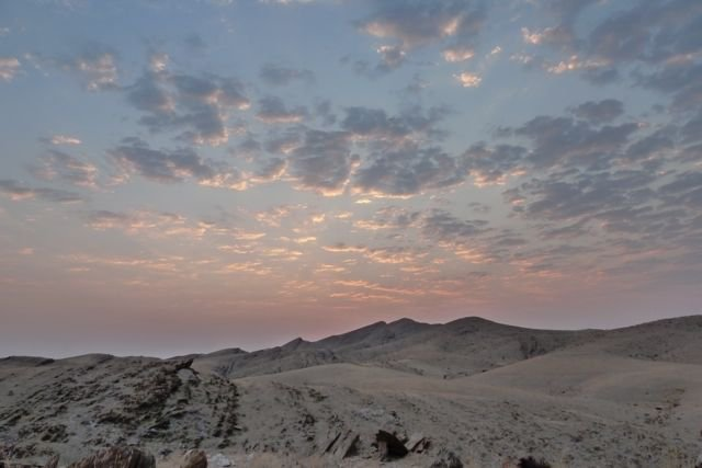 Dawn-farther-into-the-desert